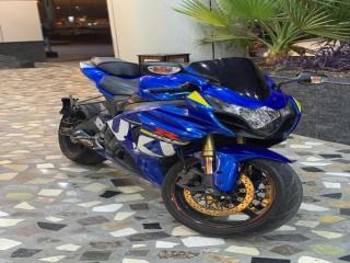 Hello am selling my 2015 Suzuki gsxr 1000cc, whatsapp +971564792011